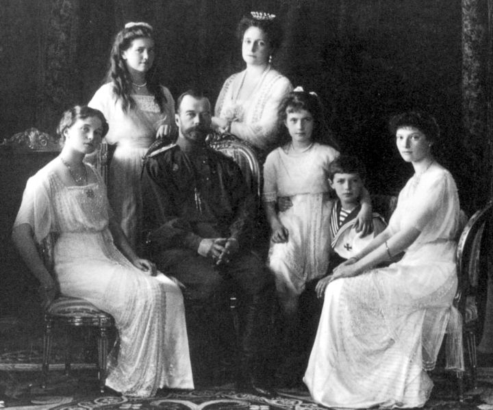 Russian_Royal_Family_1911_720px