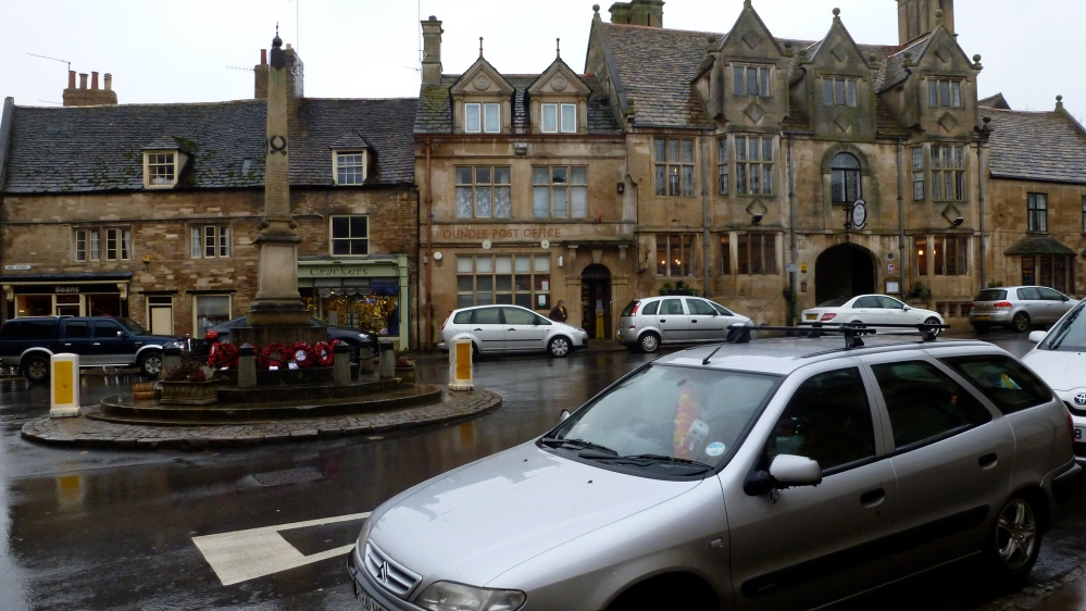 Oundle town