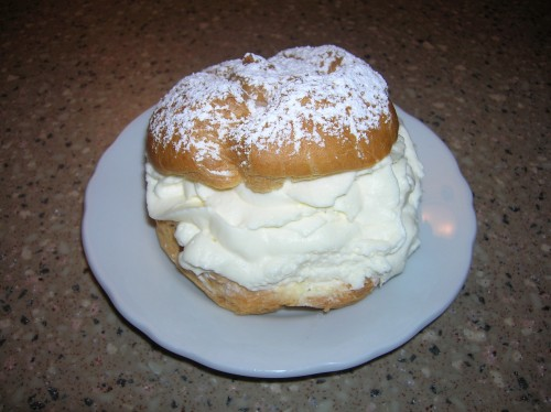 A Wisconsin State Fair cream puff.