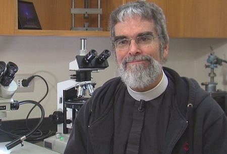 Br_Guy_Consolmagno_speaks_with_CNA_on_Nov_22_2013_at_the_Vatican_Observatory_in_Rome_Credit_Marco_Gandolfo_CNA_CNA_112813