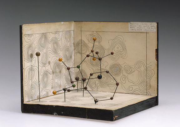 800px-molecular_model_of_penicillin_by_dorothy_hodgkin_9663803982