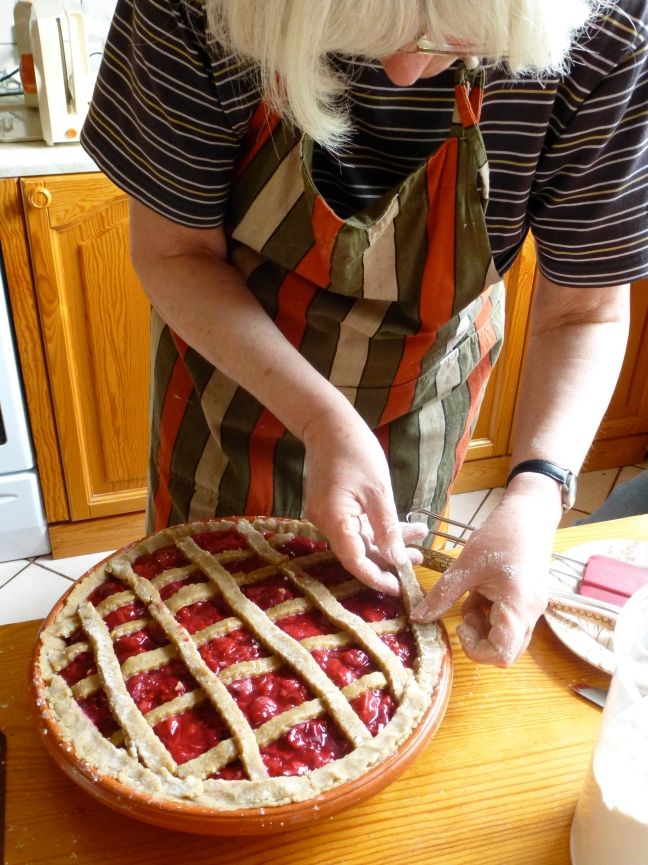 Pie, making crust