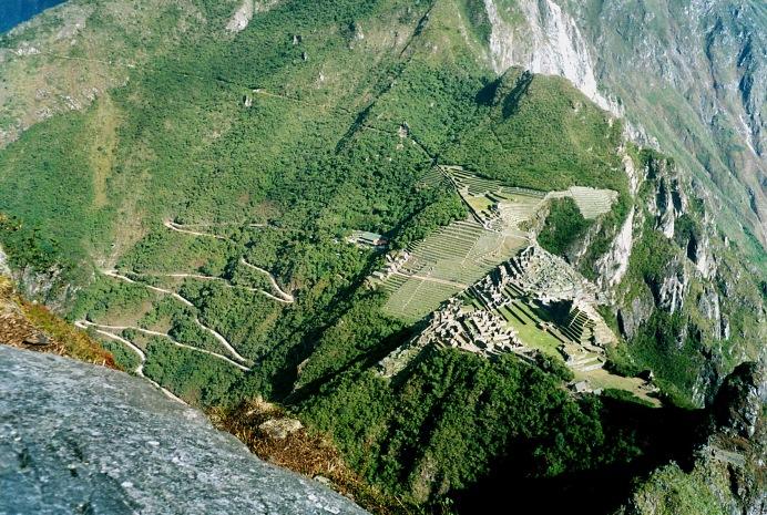 Machu_Picchu_seen_from_Huayna_Picchu