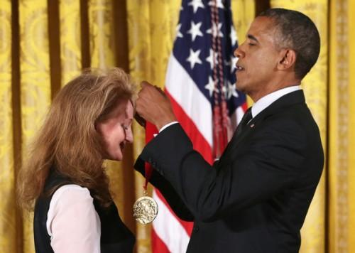 National+Medal+Arts+National+Humanities+Medal+OtmiGem5BK-l