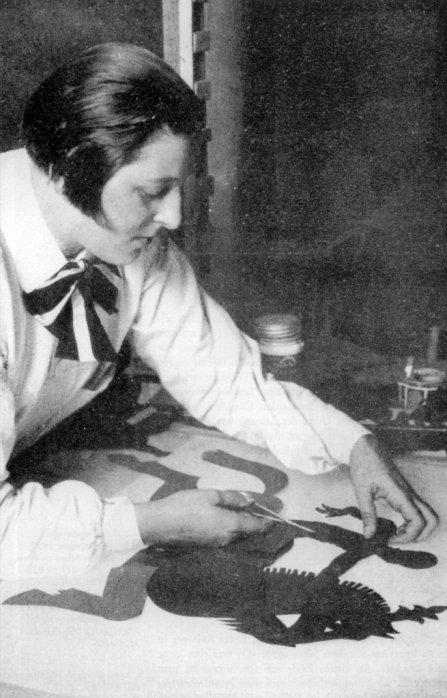 Lotte Reiniger bei der Arbeit am Prinzen Achmed Copyright: Stadtmuseum Tübingen