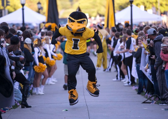 Herky performs during the Beat State Pep Rally Friday, Sept. 12, 2014 on the Pentacrest. (Brian Ray/hawkeyesports.com)