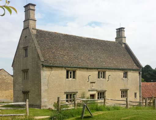 woolsthorpe_manor_-_west_fascade